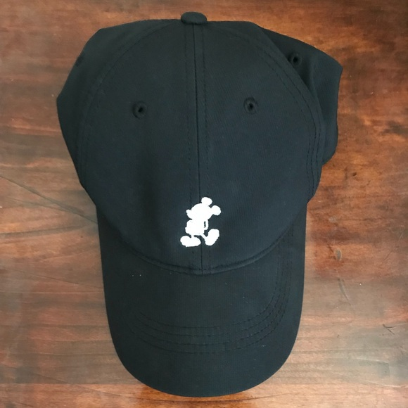 ebca3710d02 Disney Accessories - Mickey embroidered Nike Golf Hat (worn twice)